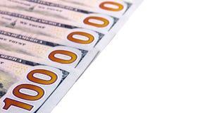 Die Nr. eine Million wird von fünfhundert Dollarscheinen auf einem weißen Hintergrund ausgebreitet Reichtum und Kassakonto Getren Lizenzfreie Stockfotografie