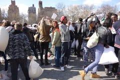 Die 2014 NYC-Kissenschlacht 22 Stockfotos