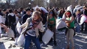 Die 2014 NYC-Kissenschlacht 10 Stockfotografie