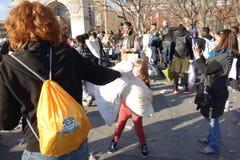Die 2014 NYC-Kissenschlacht 2 Lizenzfreies Stockbild