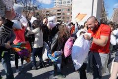 Die 2015 NYC-Kissenschlacht 165 Stockfotografie