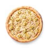 Die obenliegende Ansicht, die auf Weiß eines Ganzen backte lokalisiert wurde frisch, die köstliche italienische Pizza mit vier Kä lizenzfreies stockbild