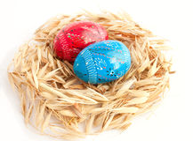 Die Ostereier im Nest Lizenzfreie Stockfotografie