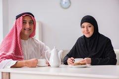Die Paare des arabischen Mannes und der Frau Lizenzfreies Stockbild