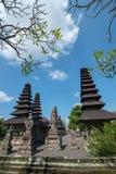 Die Pagoden innerhalb Pura Taman Ayuns in Bali, Indonesien stockbilder
