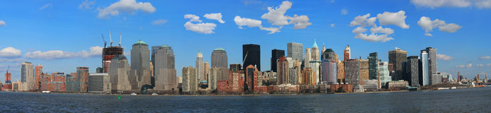 Die Panorama-Ansicht der Lower Manhattan-Skyline Stockbild