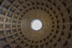 Die Pantheon-Haube in Rom Italien Stockbilder