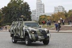 Die Patrouille der Nationalgarde auf den Straßen in der Frontliniestadt von Lizenzfreie Stockfotografie