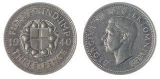 3 die pence van 1940 het muntstuk op witte achtergrond, Groot-Brittannië wordt geïsoleerd Stock Afbeelding
