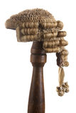 Die Perücke des lokalisierten Richters lizenzfreie stockbilder
