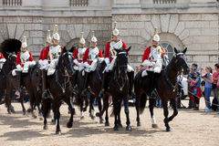 Die Pferden-Abdeckung-ändernde Zeremonie stockbilder