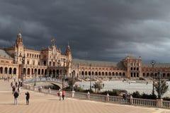 Die Piazza de Espana unter einem Sturm Stockbilder