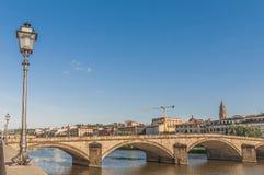 Die Ponte alla Carraia Brücke in Florenz, Italien. Stockfotografie