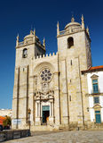 Die Porto-Kathedrale ist eine populäre Touristenattraktion von Portugal Lizenzfreie Stockbilder