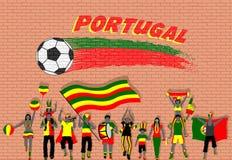 Die portugiesischen Fußballfane, die mit Portugal zujubeln, kennzeichnen Farben in f lizenzfreie abbildung