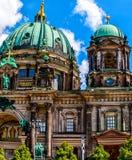 Die protestierenden Kathedralen-Bewohner von Berlin Dom in Berlin, Deutschland Stockbilder