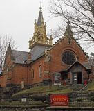 Die Pseudo-gotische anglikanische Kirche in Karlovy Vary stockfotografie