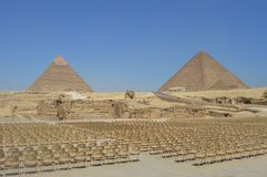 Die Pyramiden von Giseh Khapre und cheops und die Sphinx lizenzfreies stockfoto