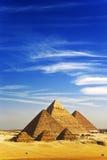 Die Pyramiden von Giza lizenzfreie stockfotografie