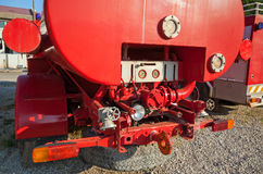 Die Rückseite des alten roten Löschfahrzeugs Lizenzfreie Stockbilder