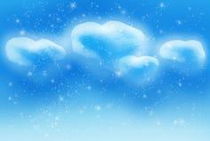 Die realistischen Herzen des Bildes vier hat Wolken im Himmel erzeugt Lizenzfreie Stockfotos