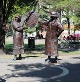 Die Rechte der Bronzestatuen-Frauen Stockbilder