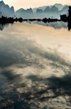 Die Reflexion von See stockbild