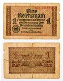 1 die reichsmarkrekening van Duitsland op wit wordt geïsoleerd Stock Foto's