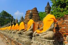 Die Reihe von Buddha-Statuen Lizenzfreie Stockfotografie