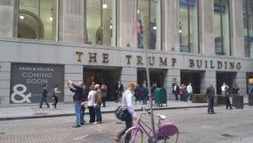 Die Reise, die Wall Street Manhattan New York City errichtet Stockbild
