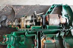 Die Reparatur des elektrischen Bohrgeräts Lizenzfreies Stockfoto