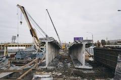 Die Reparatur oder der Abbau der Brücke Stockfoto