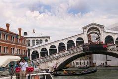 Die Rialto-Brücke in Venedig Italien Stockfotografie