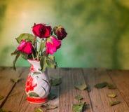 Die Rosen verwelken Liebe verloren Lizenzfreies Stockfoto