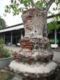 Die Ruinen der alten Pagode um den Tempelbereich stockfoto