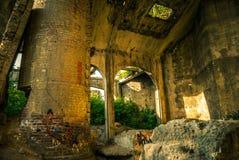 Die Ruinen der Fabrik stockbilder