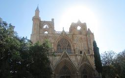 Die Ruinen der Kirche von Sankt Nikolaus in der Stadt von Fomagusta, Nord-Zypern, heute eine Arbeitsmoschee Gelitten unter dem bo stockfotos