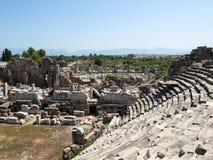 Die Ruinen des alten römischen Amphitheatre in der Seite Lizenzfreie Stockbilder