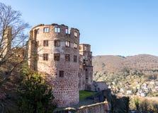 Die Ruinen des Heidelbergs ziehen sich gesehen von der Außenseite zurück Lizenzfreies Stockbild