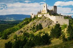 Die Ruinen des Schlosses Cachtice stockfotografie