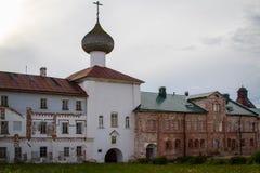 Die Ruinen des Solovetsky-Klosters Lizenzfreie Stockfotos