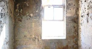 Die Ruinen einer alten verlassenen Fabrik 4k stock video footage