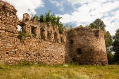 Die Ruinen eines alten Schlosses Lizenzfreie Stockfotografie