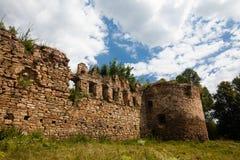 Die Ruinen eines alten Schlosses Stockfotos