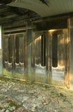 Die Ruinen eines verlassenen Sanatoriums der Zeiten des Sowjets lizenzfreie stockfotografie