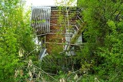 Die Ruinen eines verlassenen Sanatoriums der Zeiten des Sowjets stockfotografie