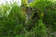 Die Ruinen eines verlassenen Sanatoriums der Zeiten des Sowjets stockfotos