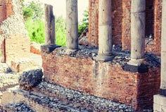 Die Ruinen von Amphitheatre in Taormina, Sizilien, Italien stockbilder