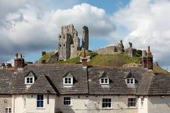 Die Ruinen von Corfe-Schloss in Dorset Stockfotos