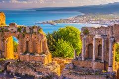Die Ruinen von Taormina-Theater bei Sonnenuntergang Lizenzfreie Stockfotografie